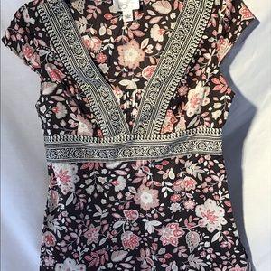 Ann Taylor LOFT sleeveless shirt. Size 4